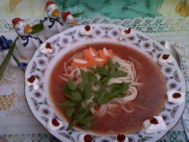 Zupa z młodych buraków
