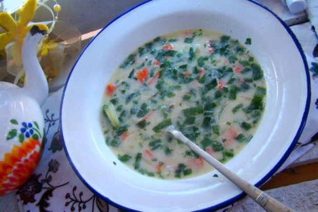 Zupa z ogórków  małosolnych z czosnkiem