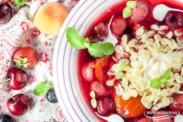 Zupa z owocami lata