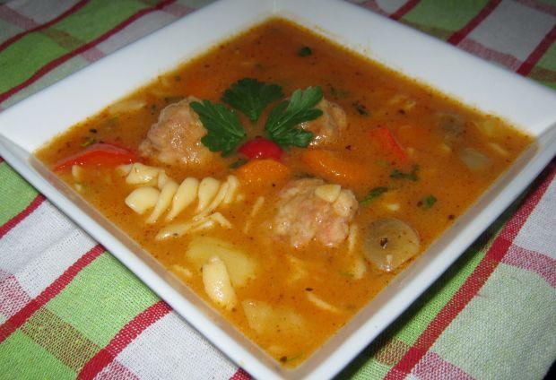 Zupa z pulpetami