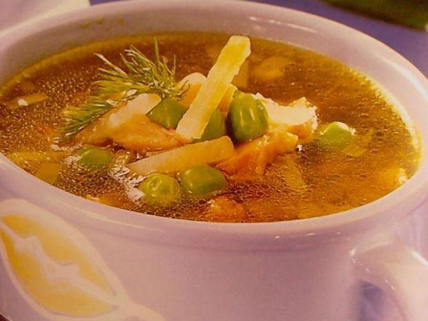 Zupa z wędzonym kurczakiem