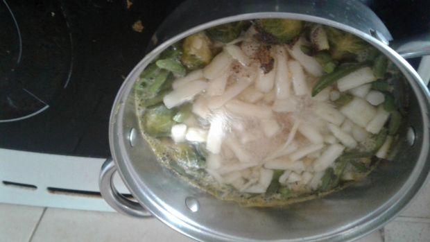 Zupa z wiosennych warzyw