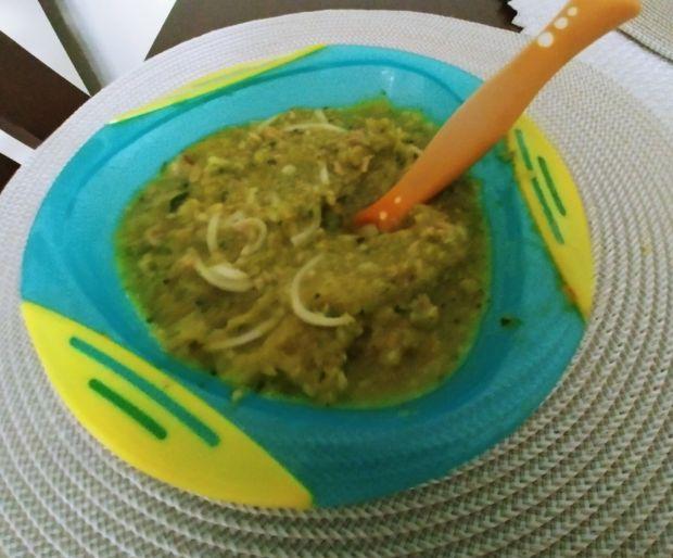 Zupa z zielonych warzyw dla dziecka
