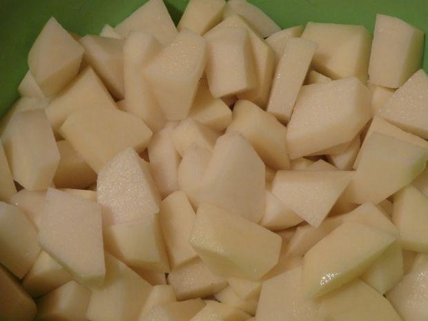Zupa z zielonym groszkiem konserwowym