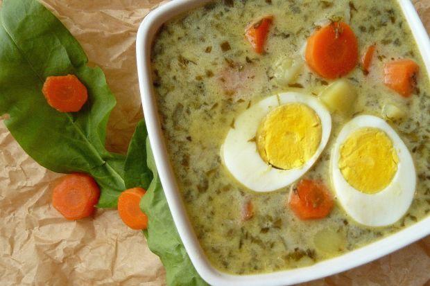 Zupa ze świeżego szczawiu z jajem na twardo