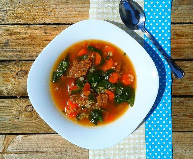 Zupa ze szpinakiem i wołowiną