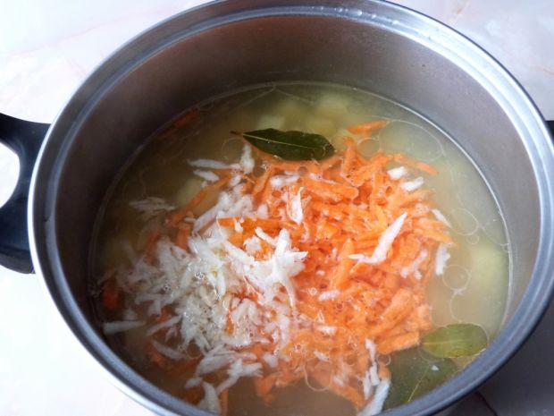 Zupa ziemniaczana z ciecierzycą