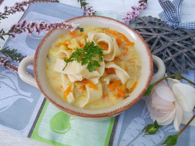 Zupa ziemniaczana z domowym makaronem