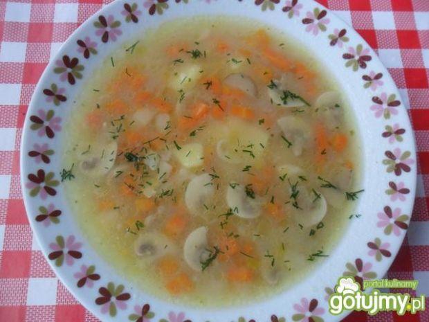 Zupa ziemniaczana z pieczarkami