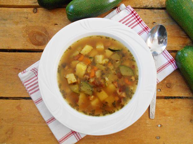 Zupa ziemniaczano-cukiniowa