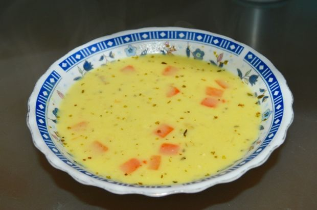 Zupa ziemniaczano serowa z kaszą jęczmienną