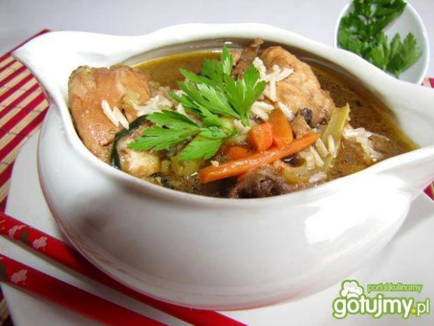 Zupka chińska z grzybami i ryżem