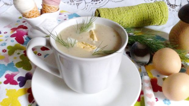 Żurek-krem z ziemniakami i grzybami wege