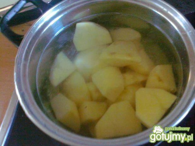 Żurek na wędzonce z ziemniakami