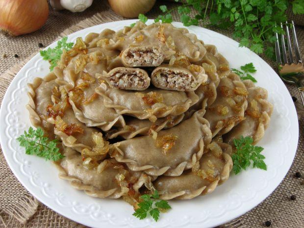 Żytnie pierogi z kaszą gryczaną i białym serem