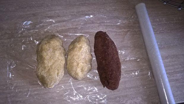 Żytnio-pszenny pleśniak z rabarbarem