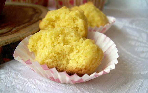 Babeczki pikowane z mąką kokosową