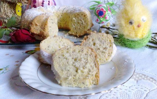 Babka biszkoptowa cytrynowa z chia