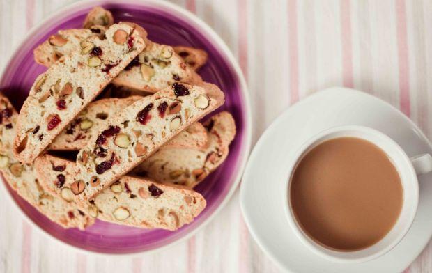 Biscotti z żurawiną i pistacjami