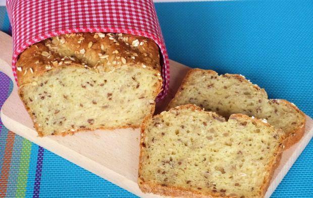 Chleb pszenno-kukurydziany z ziarnami