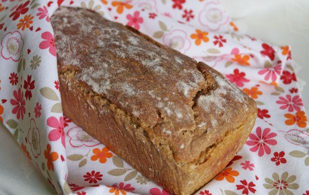 Chleb pszenno-żytni z błonnikiem na zakwasie