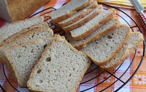Chleb pszenny z mieloną ciecierzycą na zakwasie
