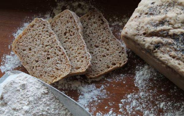 Chleb z orkiszem i zarodkami pszenicy