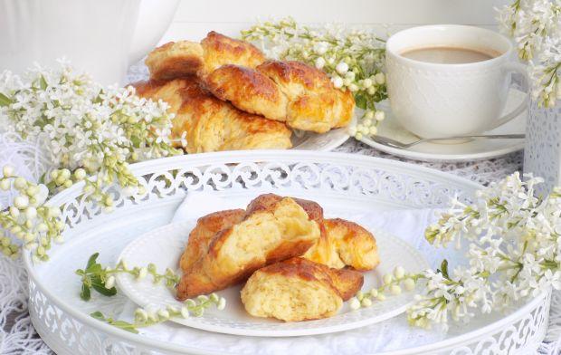 Chrupiące, maślane i rumiane croissanty