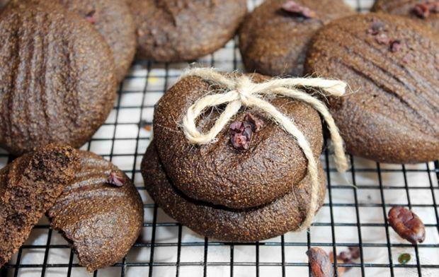 Ciasteczka z kaszą manną i kakao słodzone melasą