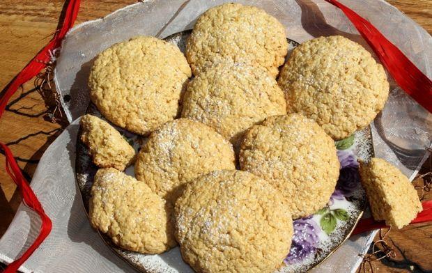 Ciastka z kleiku ryżowego z masłem orzechowym