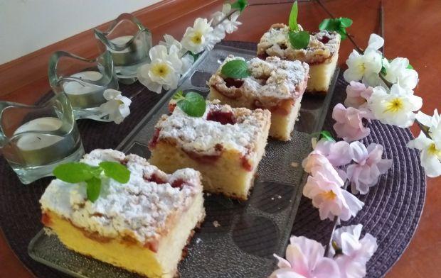 Ciasto bez wyrabiania z truskawkami