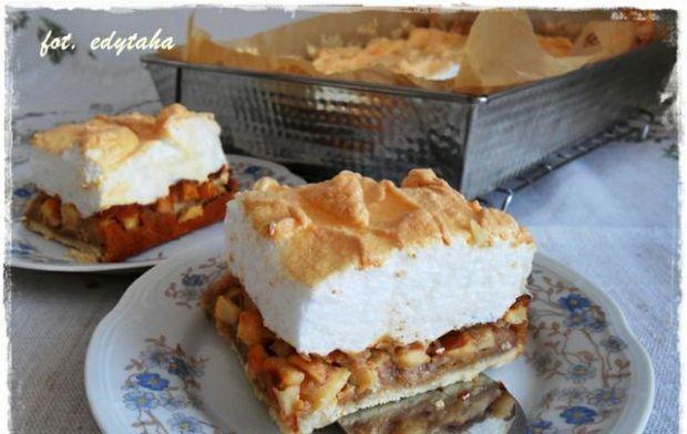 Ciasto kruche z jabłkami i bezą - Pyszne ciasto kruche z jabłuszkami i bezą.