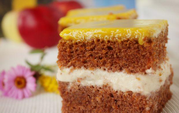 Ciasto marchewkowe z kremem jabłkowym