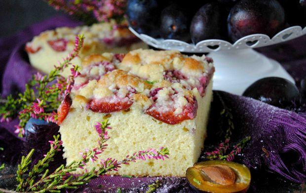 Ciasto migdałowo -  śliwkowe