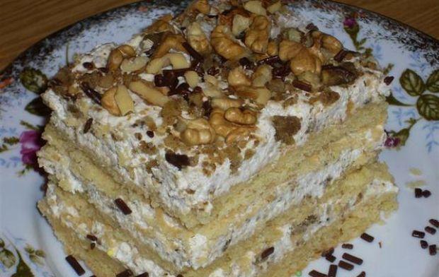 Ciasto orzechowiec świąteczny