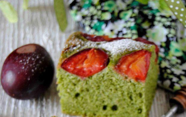 Ciasto szpinakowo- śliwkowe