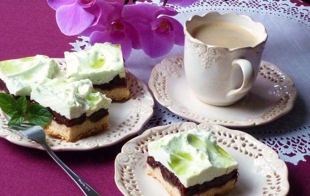 Ciasto ze śliwkami i pianką
