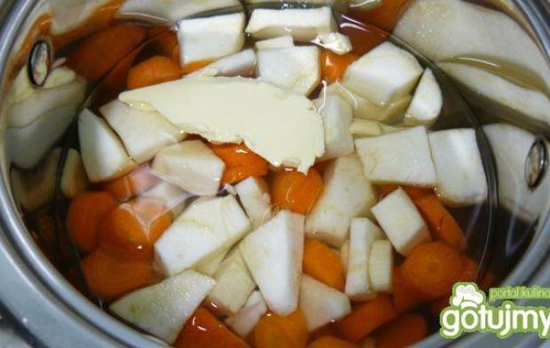 Cukinia nadziewana na puree marchwiowym