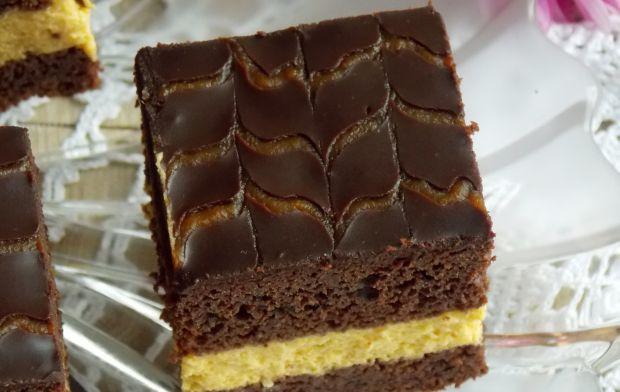 Czekoladowe ciasto z buraczkami i dynią