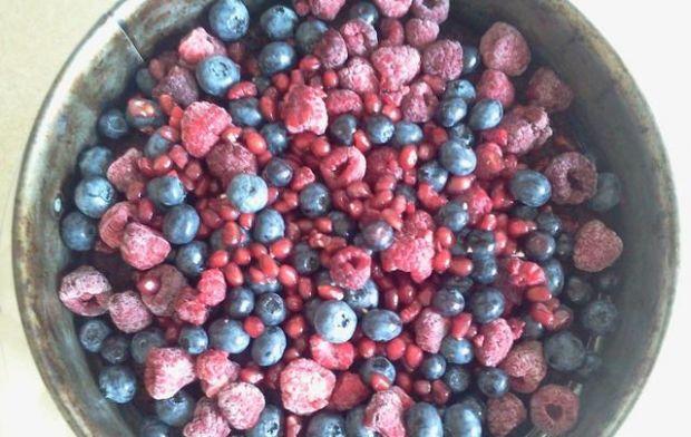 Czekoladowe z owocami i galaretką