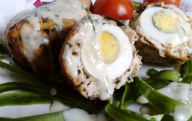 Drobiowe zapiekane jajka po szkocku z sosem chrzan