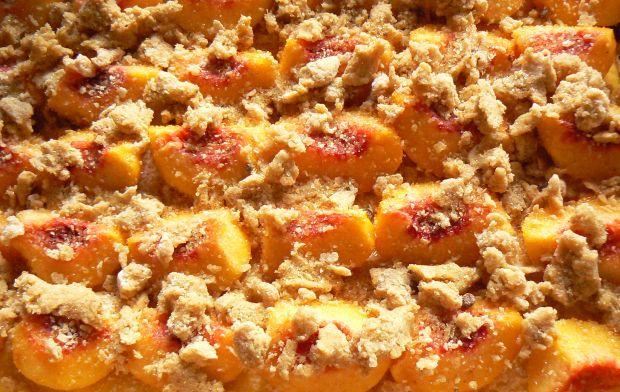 Drożdżowe ciasto dyniowe z brzoskwiniami
