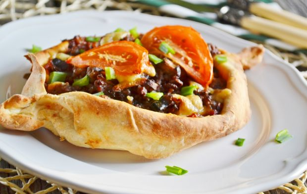 Etlie Pide - turecka pizza