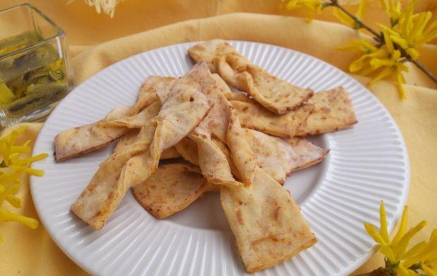 Faworki serowo-paprykowe z piekarnika
