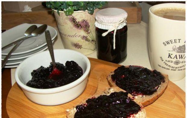 Galaretka z czarnych jagód