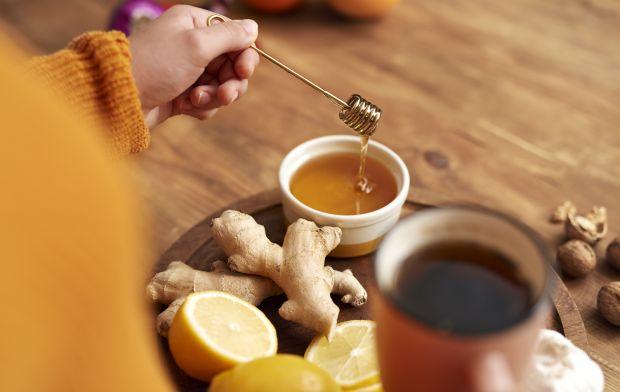 Herbata zimowa z imbirem i miodem