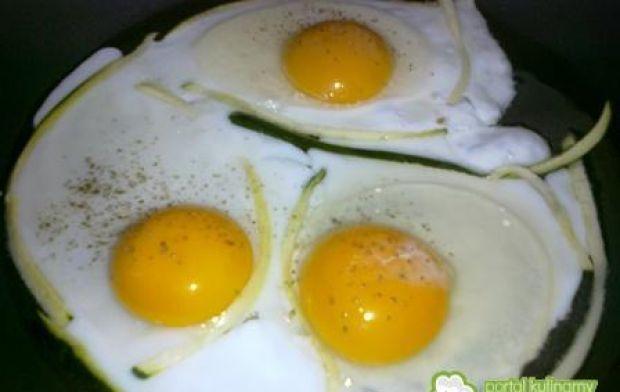 Jajka sadzone.