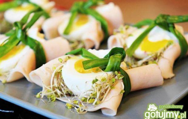 Jajka w zielonych gniazdkach
