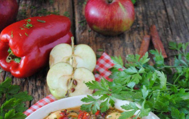 Jesienny gulasz z jabłkami