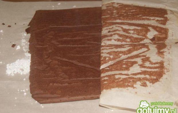 Kakaowa rolada w piegi